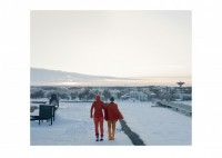 unseen/2012/Orange-figures-in-the-winter_Brotherus-Gluschkoff